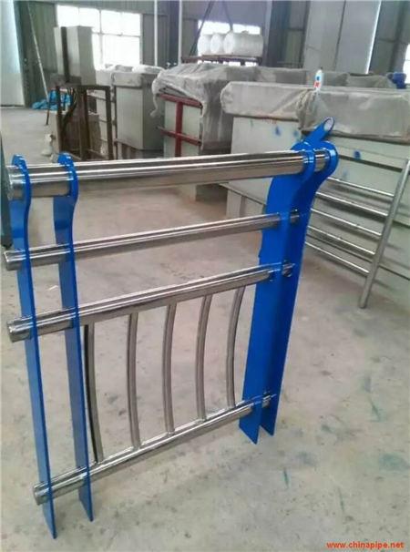广州Q355B防撞护栏厂家货价格低廉