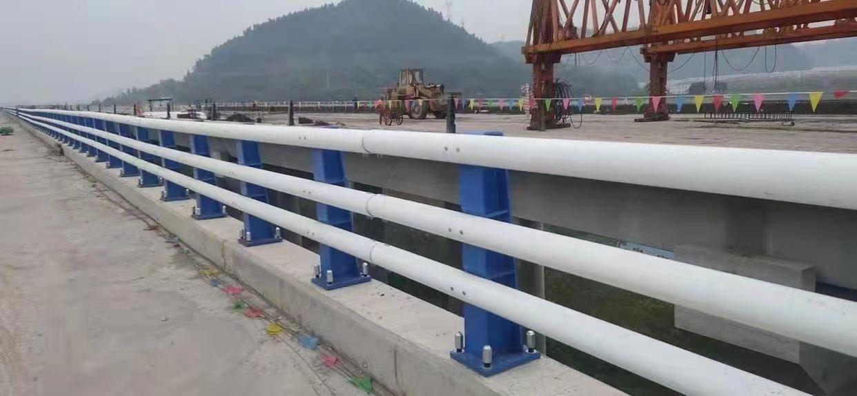 萍乡护栏防撞栏杆质量可靠老板实在