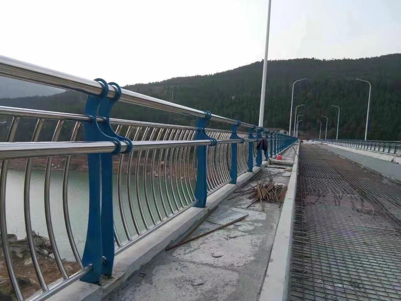 萍乡精准加工定做不锈钢道路护栏